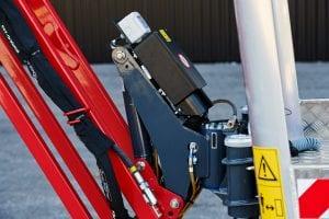 Luftleitung, Hochdruckwasserleitung, Stormversorgung im Korb